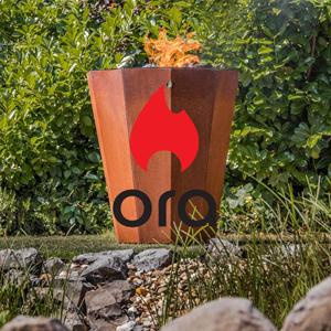 Foto eines Grills aus Stahl als Achteck und Logo von Ora