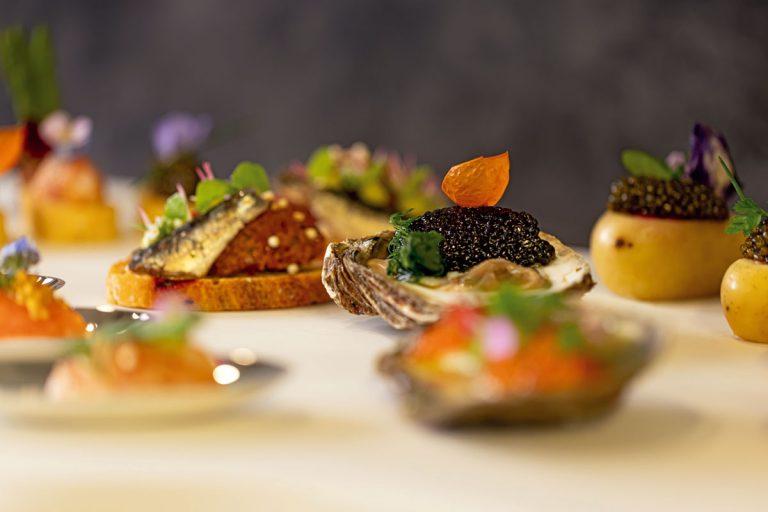 Detail Kaviarhäppchen in Austerschale