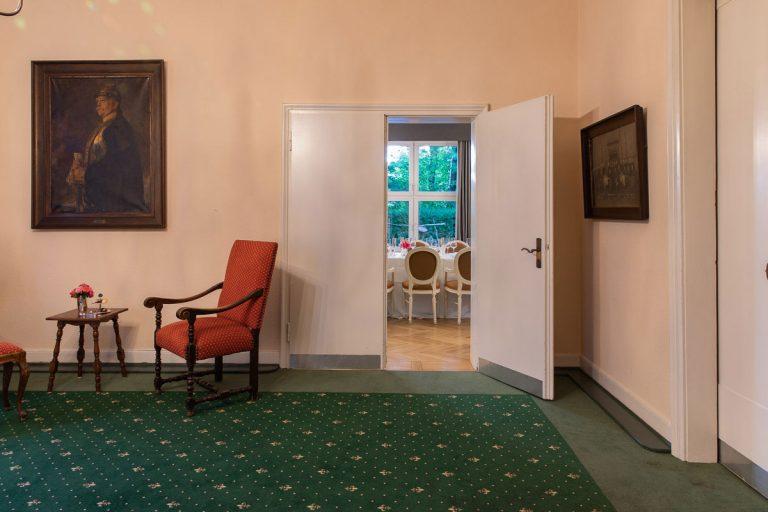 Blick vom Bismarckzimmer in die Veranda